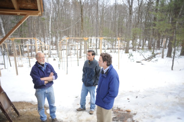 [March 18 - The chambers are still snowbound. Israel Del Toro, an undergraduate at the University of Texas at El Paso and University of Vermont co-PI Nick Gotelli visit the site and talk with engineer Frank Bowles. Israel will be joining the group as a Ph.D. student at the University of Massachusetts in June 2009.]