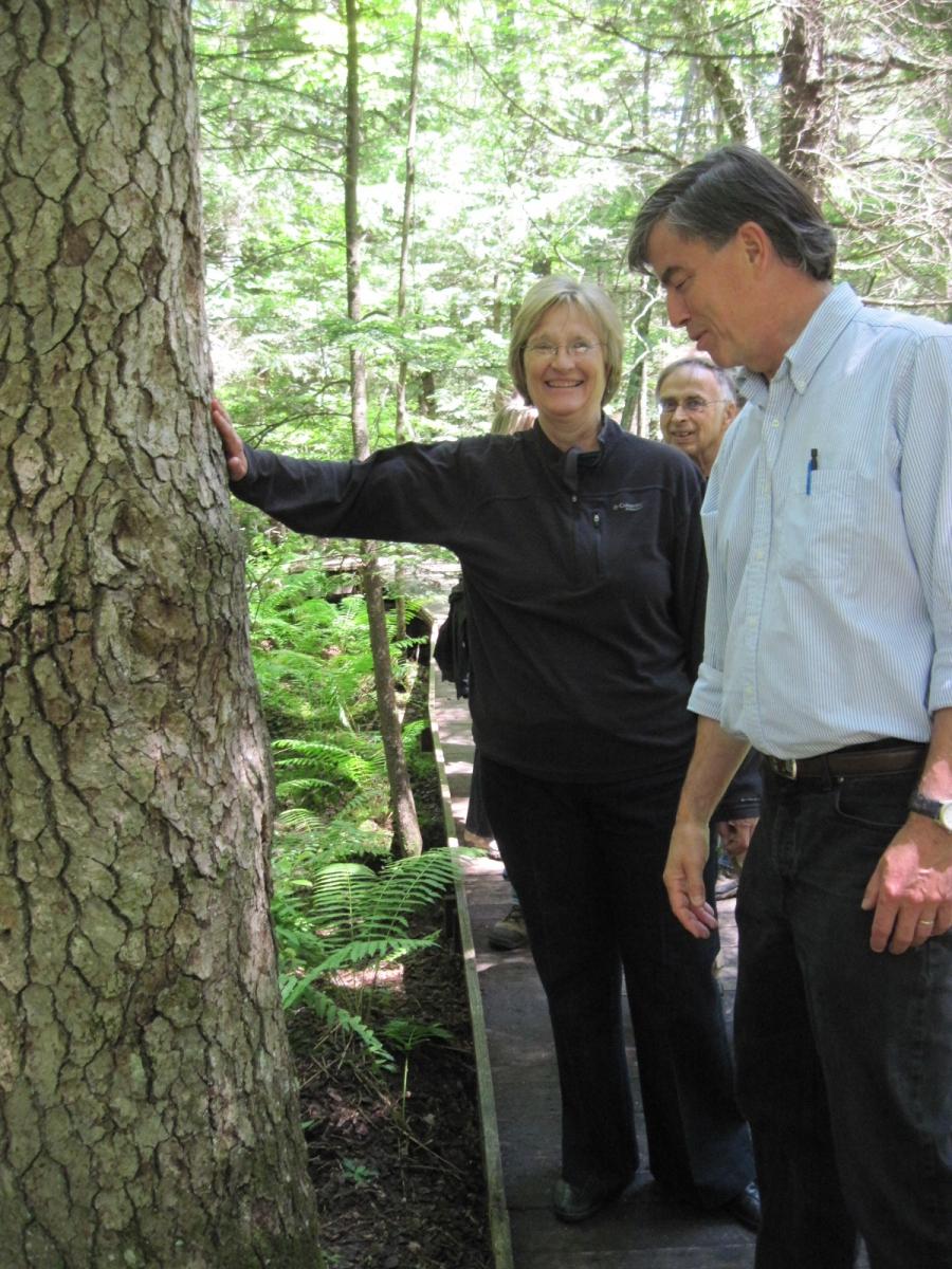 Harvard Forest: Harvard President Visits Harvard Forest