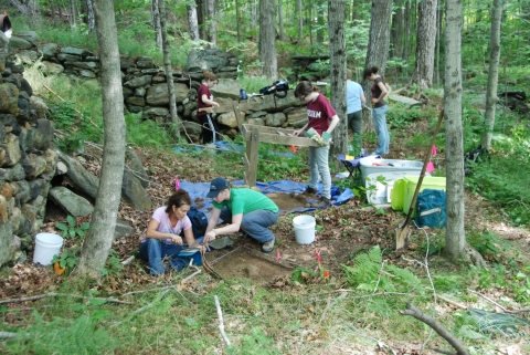 Field Archaeology Students Investigate Colonial-Era Tannery